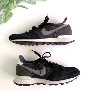 Nike Black Suede Leather Sneakers